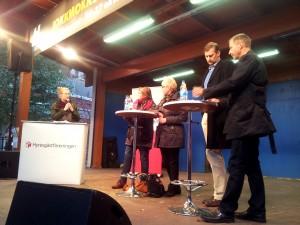 Bostäder behövs för att Huddinge ska kunna växa, det var politikerpanelen överens om. Från vänster: Jeeica Creutzer, Birgitta Ljung, Ann-Marie Högberg, Daniel Dronjak Nordqvist och Tomas Hansson.